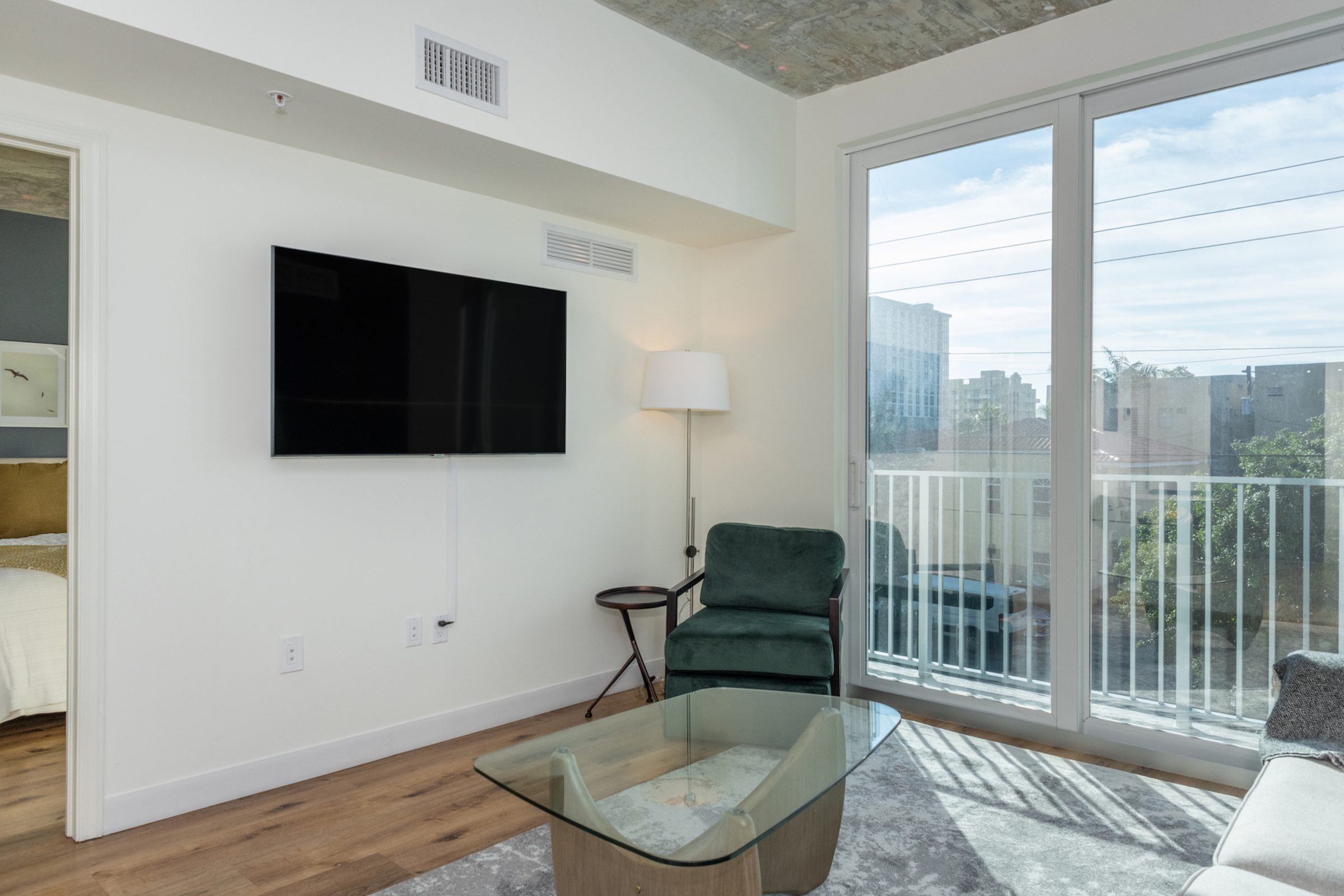 Riverview One Apartments 206 rental