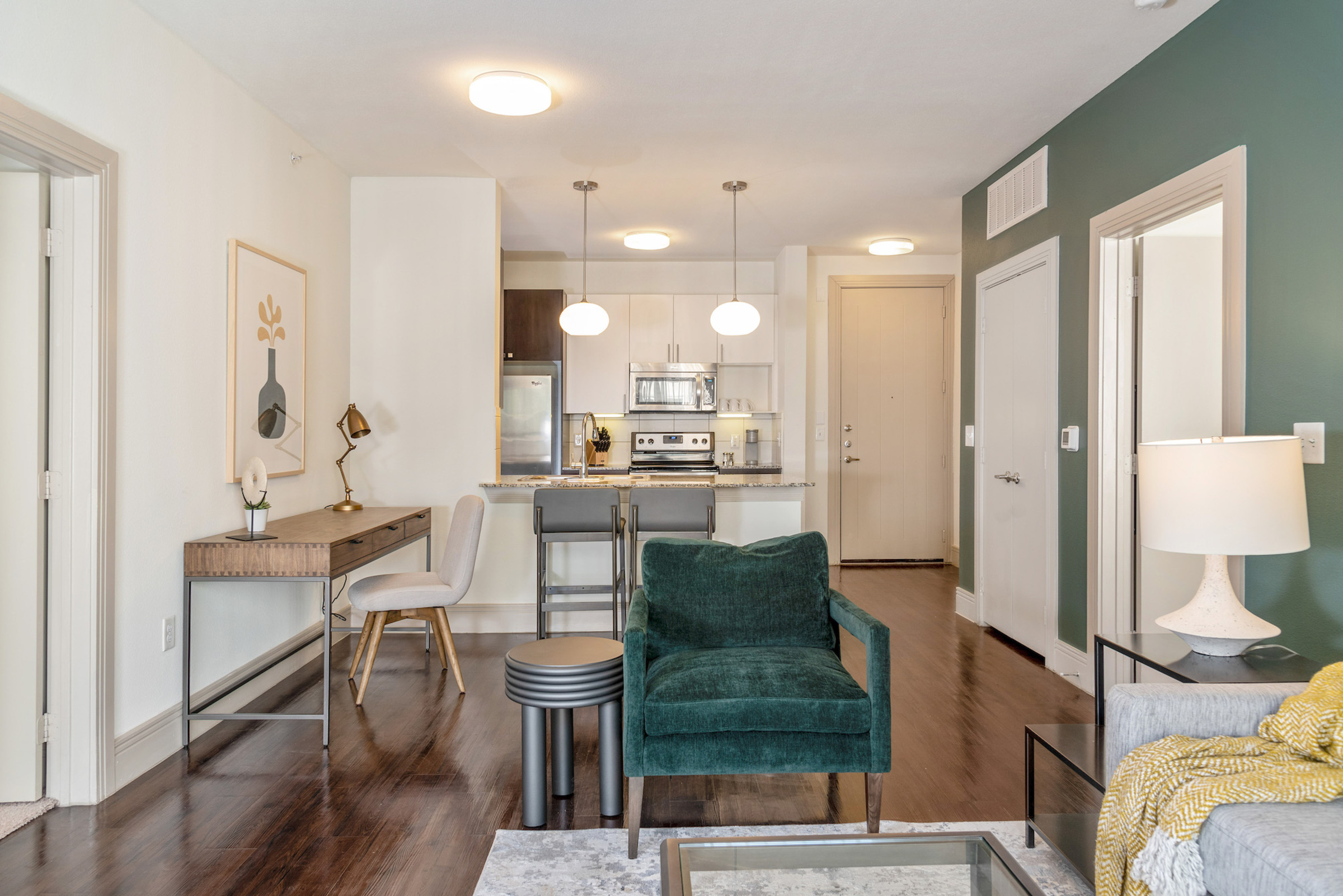 Live at Landing Furnished Apartment Park's Edge at Shelby Farms