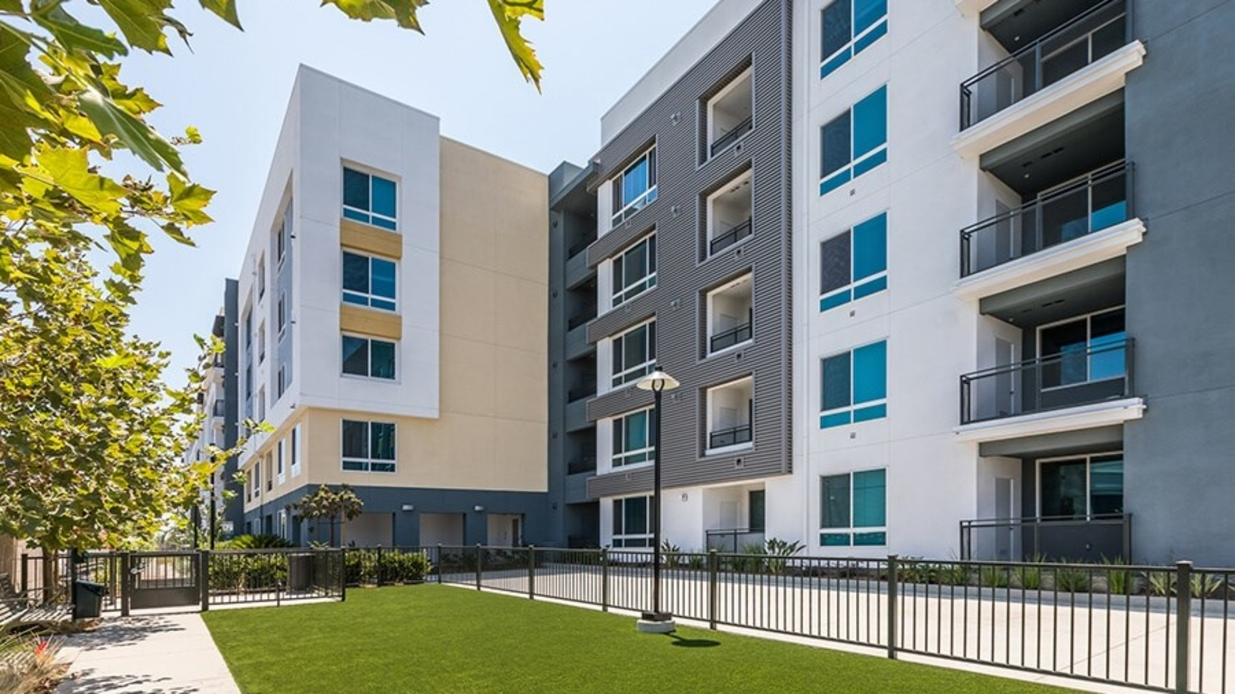 Rize Irvine Apartments