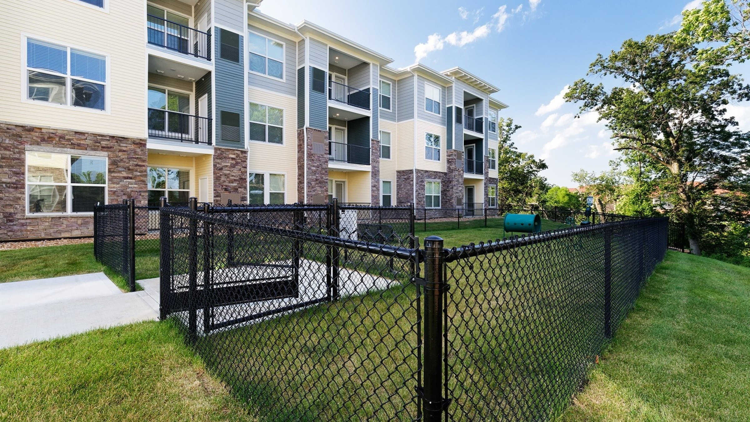Landing Furnished Apartment The Haven at Shoal Creek