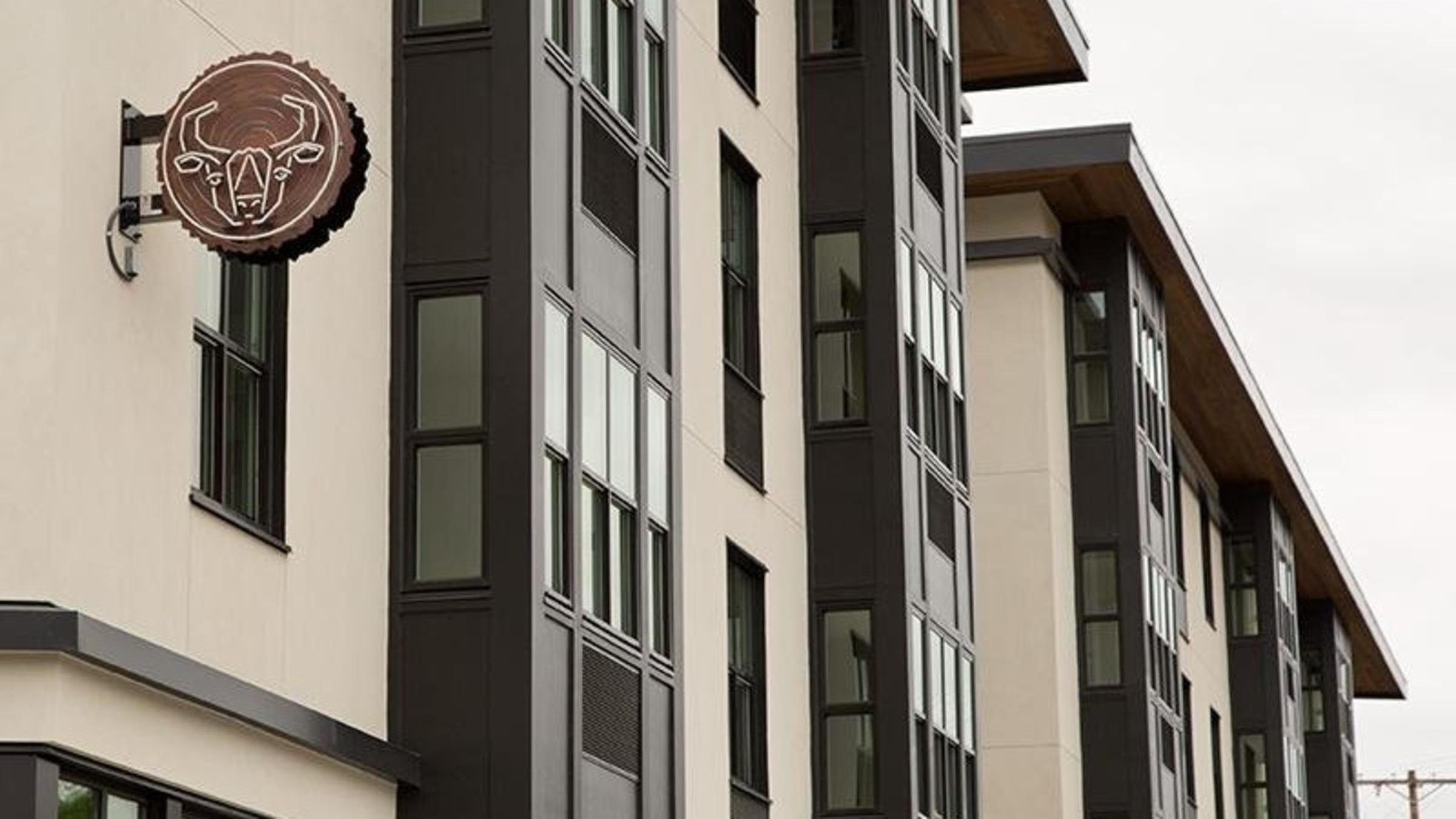 Northwood Apartments 215