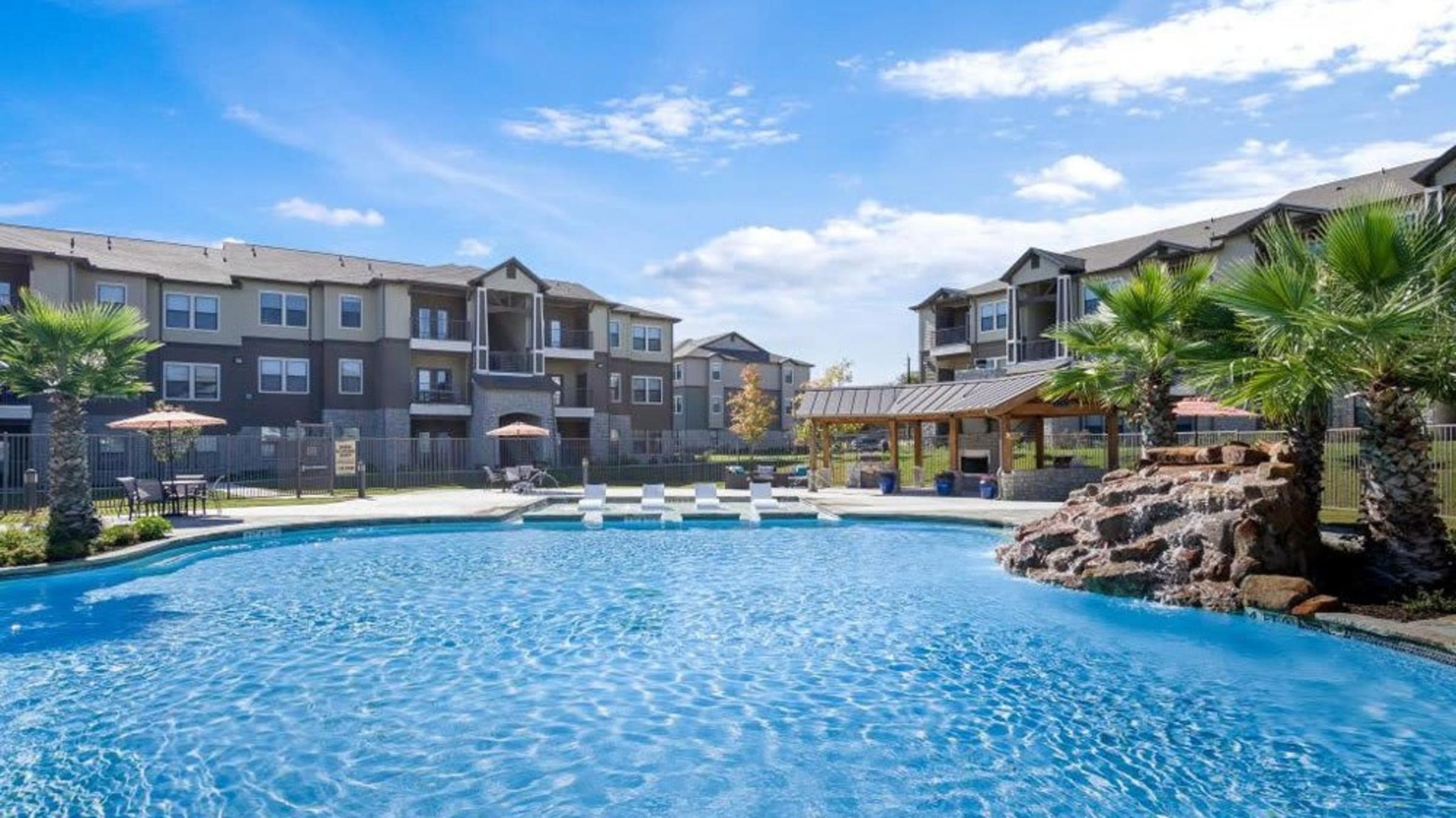 Landing Furnished Apartment Verandas at Alamo Ranch
