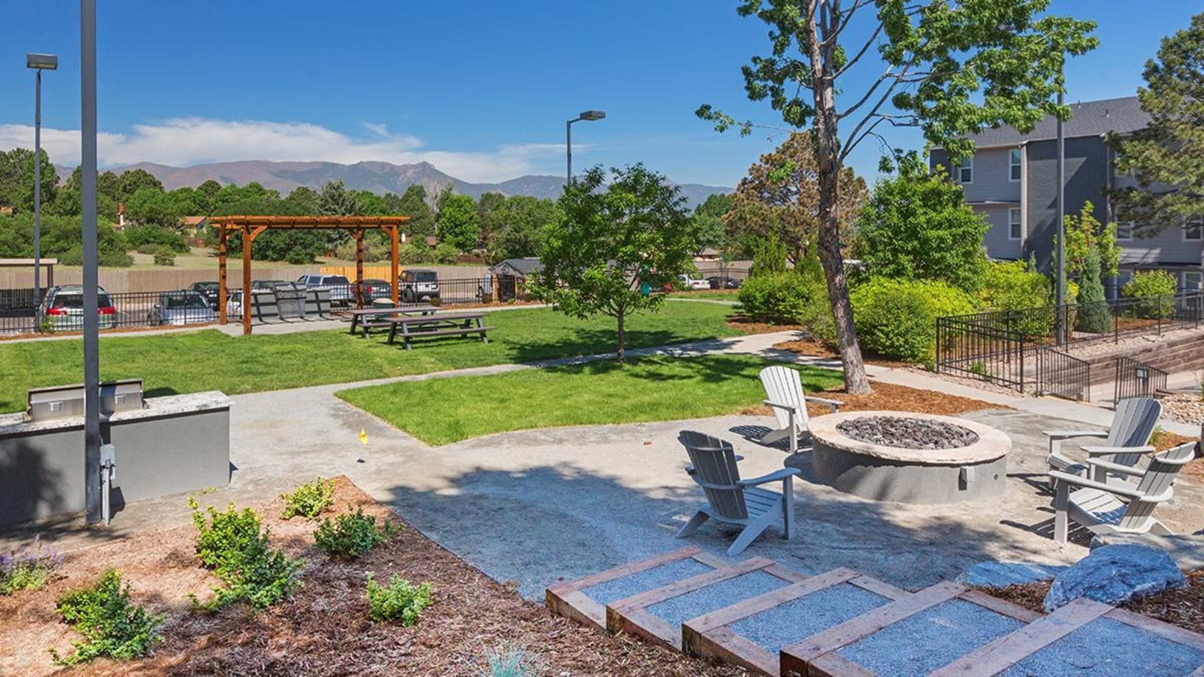 Landing Furnished Apartment Viridian Edge at the Park