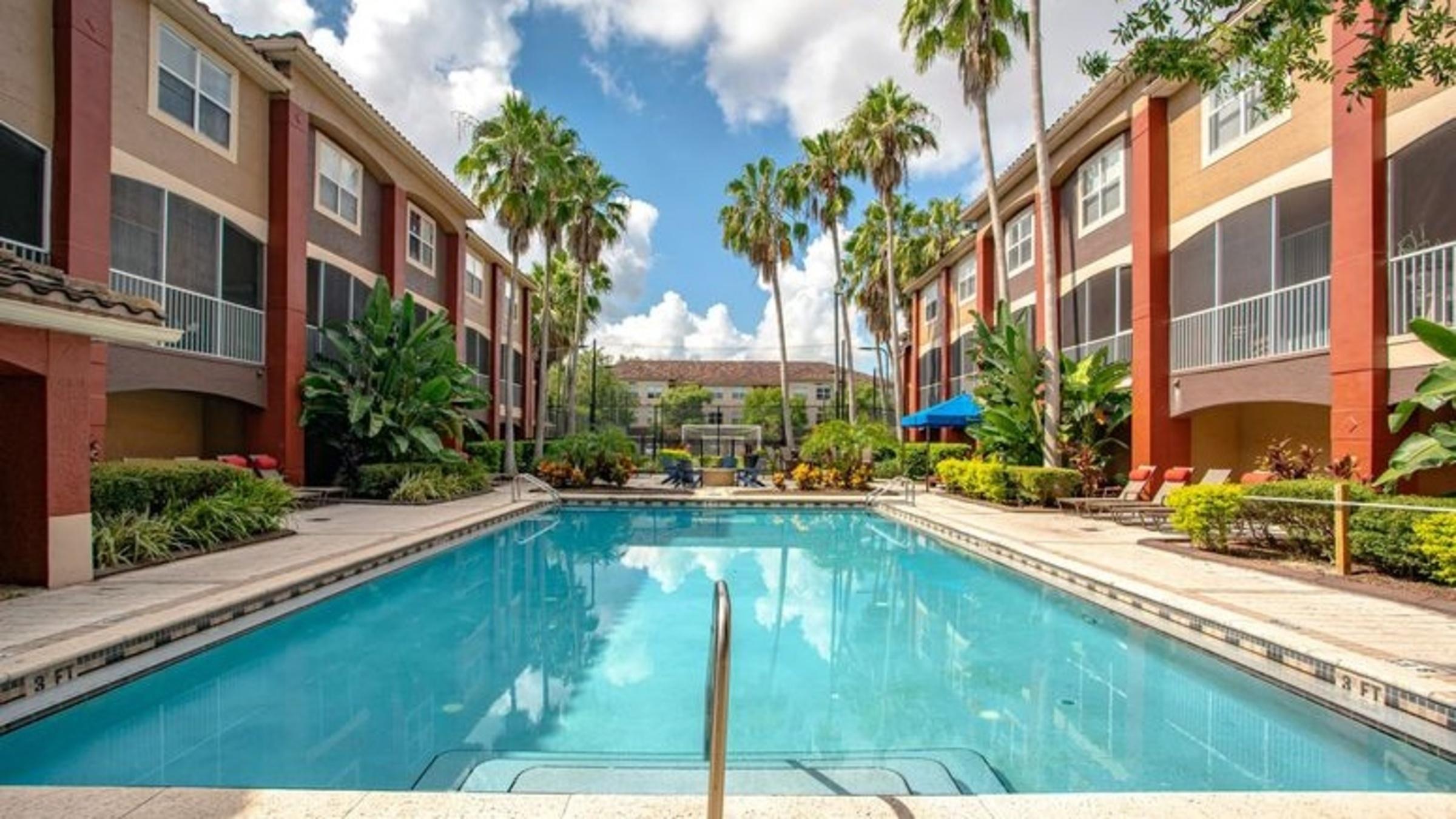 Landing Furnished Apartment Amara at MetroWest Apartments