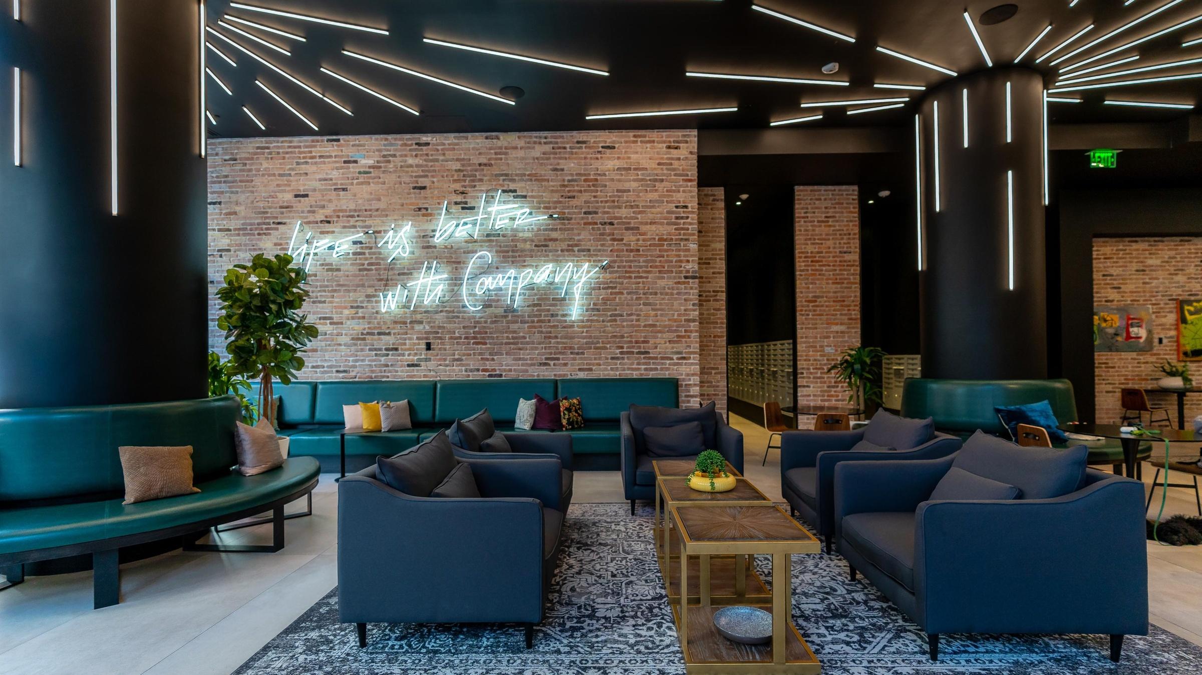 X Miami 217
