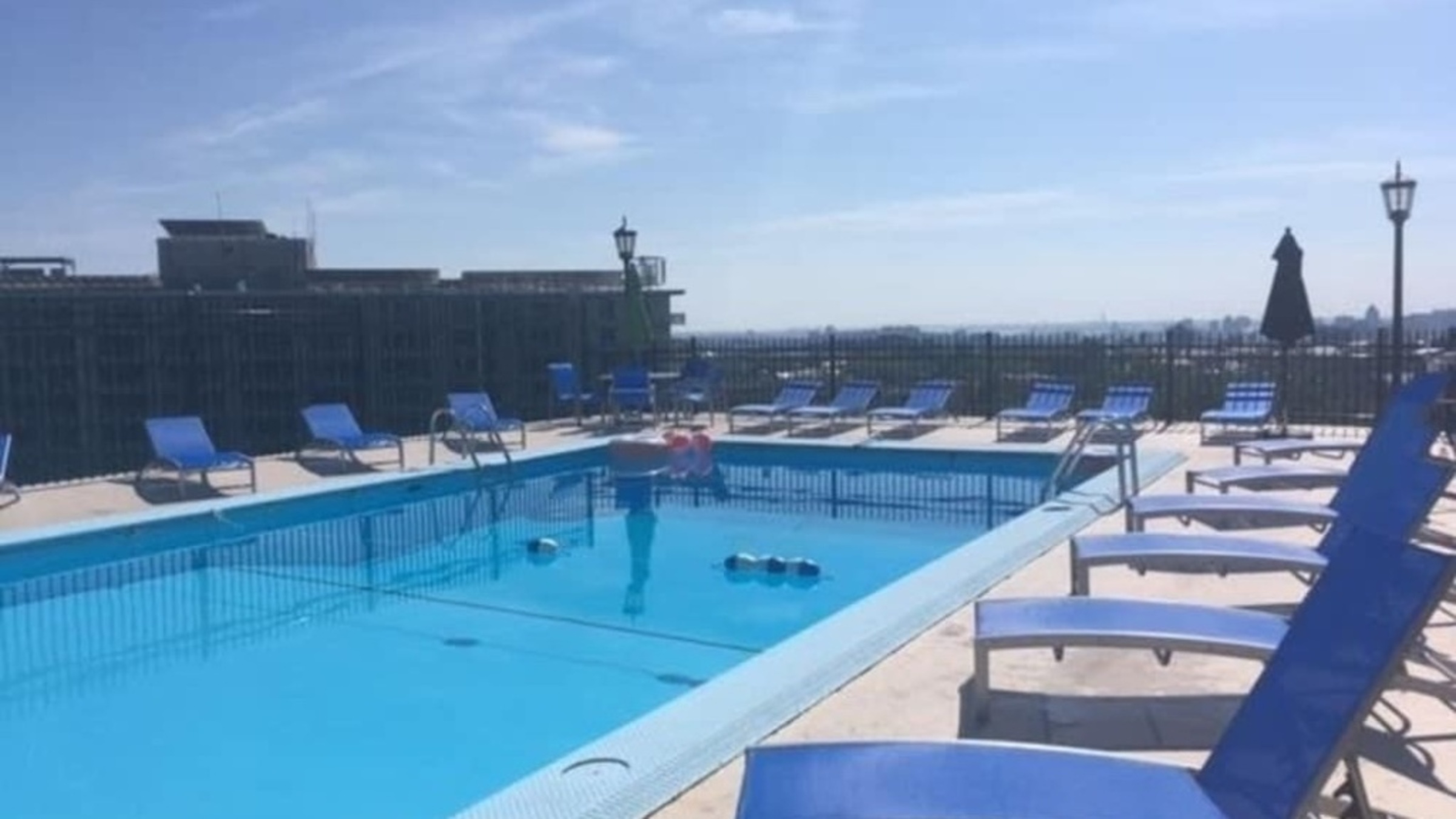 The Carlyle 12G