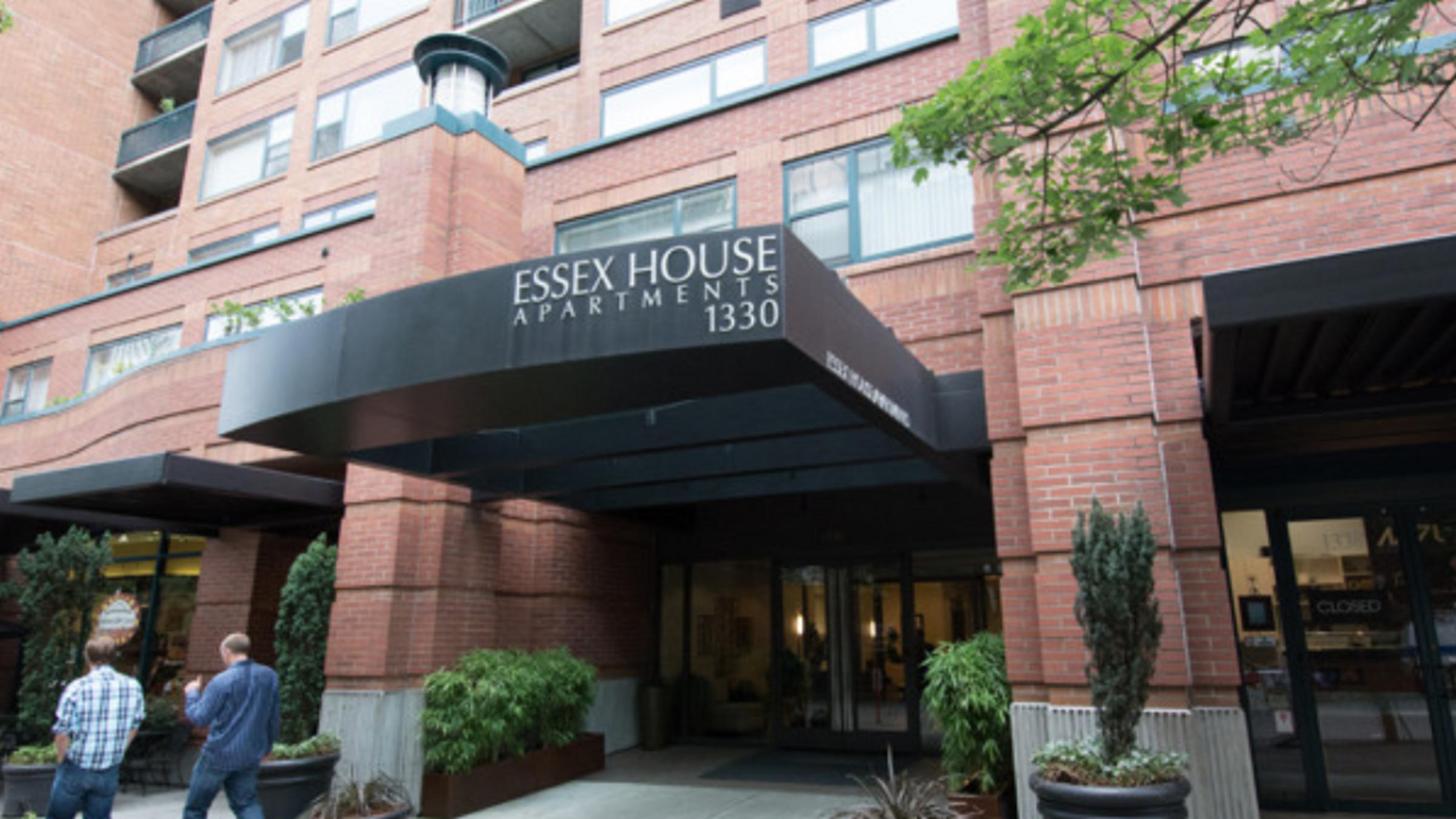 Essex House 1007